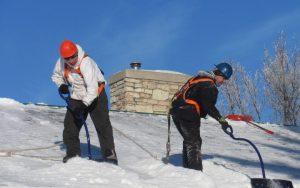 Odpratávanie snehu zo striech